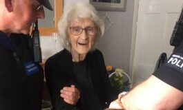93-годишна старица со лисици на рацете заврши во затвор, а не е виновна за ништо (ФОТО)