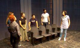 """Претставата """"Недоразбирање"""" вечерва премиерно во кумановскиот театар (ФОТО)"""
