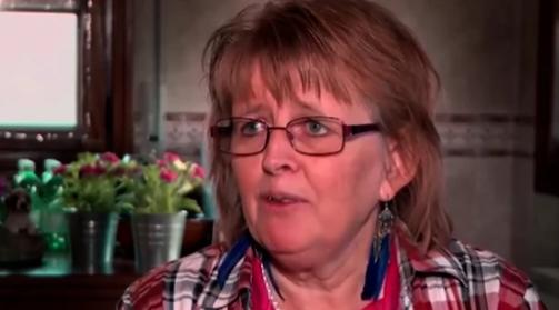 Има скоро 60 години и работи како порно ѕвезда: Сопругот е полн со разбирање