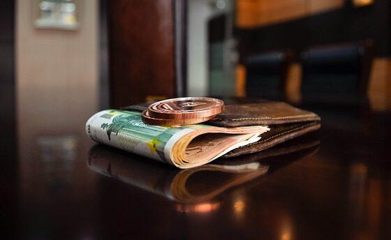 Најдобрите совети од најбогатите: Како да го наполните паричникот?