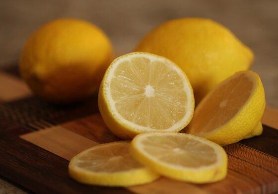 Едноставен трик со лимон за спас од комарците
