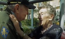 Се засакале во Втората светска војна, па се сретнаа 75 години подоцна (ВИДЕО)