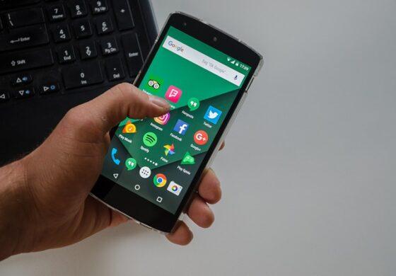 Google Play Store преполн со опасни апликации