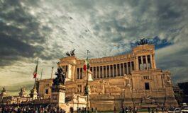 Рим воведува казни и до 400 евра за туристите (ВИДЕО)
