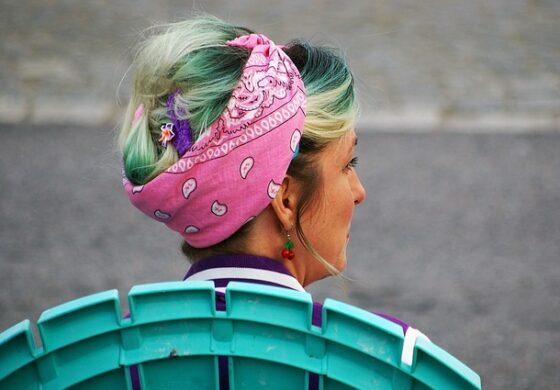 Како да ја носите марамата во коса? Тренд кој оваа лето е неизбежен (ФОТО)