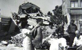 Тито ги посетил повредените од земјотресот во 1963 кои биле сместени во Куманово