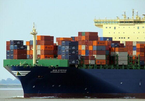 """Филипини на Канада врати 1.500 тони смет: """"Јадете го ако сакате"""""""