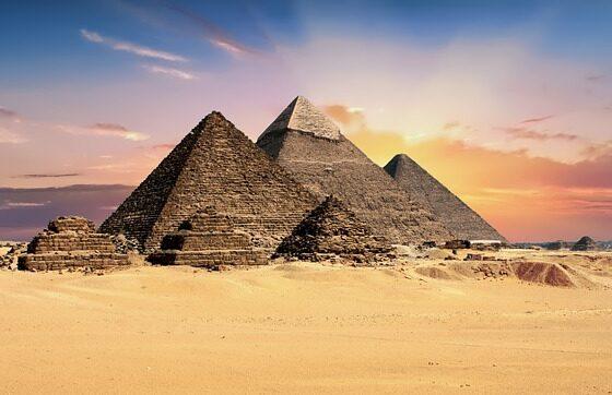 Египет отвора две најстари пирамиди за посетителите