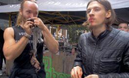 Јадеа сирово месо од мртви верверички пред вегански ресторан, сега добија казна (ВИДЕО)
