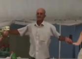 Орото започна, но овој дедо одлучи да игра во свој стил (УРНЕБЕСНО ВИДЕО)
