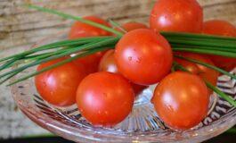 Решете се од проширените вени со помош на домати