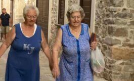 Пијат, пушат и се хранат нездраво, а сепак живеат над 100 години - Тајната на долговечноста се крие во ова село во Италија