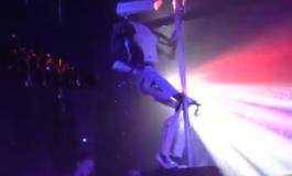Робот кој е атракција во стриптиз клубови (ВИДЕО)