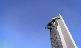 Костурница сè уште чека да и се смилува државата (ФОТО)
