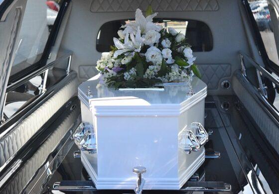 """Била подготвена за кремација, а минута пред почетокот """"покојната"""" жена се разбудила (ВИДЕО)"""