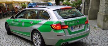 """Германската полиција отстрани златен џип од улциите затоа што многу """"свети"""" (ФОТО)"""