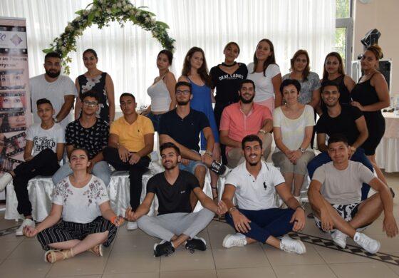 Младите Роми ги менуваат наративите, креативно ги отстрануваат бариерите и стереотипите при добивање здравствена нега