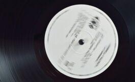 Најмистериозна песна на интернет: Трае три минути, од 80те години, но никој не знае чија е (ВИДЕО)