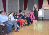 Модна ревија на обувки и облека на производители и трговци од Куманово (ФОТО)