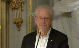 Нобеловецот Хандке прогласен за персона нон грата во Косово и БиХ