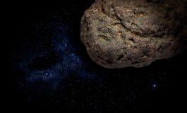 Астероид голем како египетската пирамида минува крај Земјата