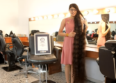 Поради траума од фризерски салон е сопственичка на Гинисов рекорд