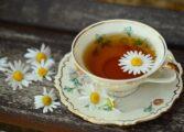 Камилица, чај кој секогаш помага: Лекува несоница и депресија